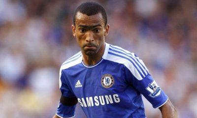 Chelsea propose Bosingwa au PSG