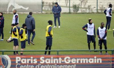 Le PSG a aussi ses « ball boys »
