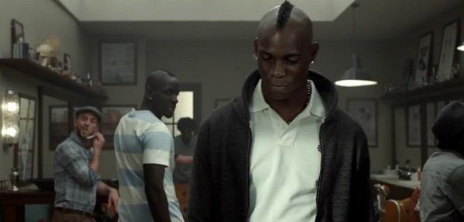Sakho défie Balotelli chez le coiffeur