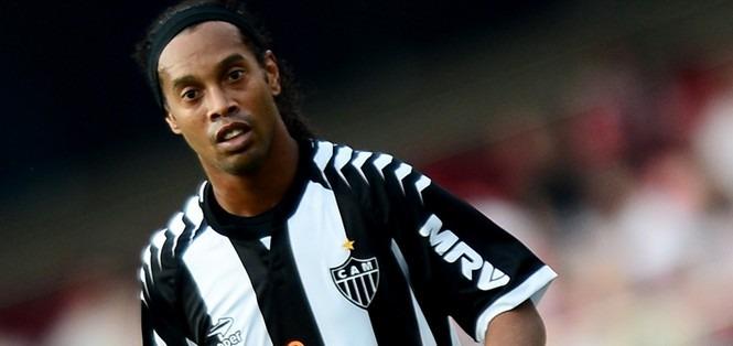 Vidéo : Ronaldinho régale face au Cruzeiro