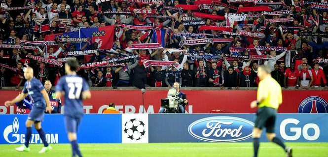 PSG - Zagreb : Bagarres entre supporters