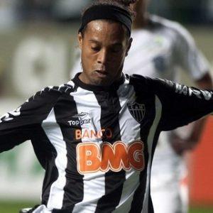 Anciens - Ronaldinho devrait signer en Turquie.