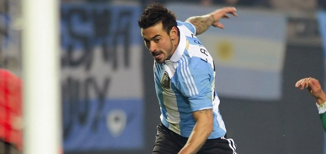 L'Argentine s'impose, Lavezzi titulaire