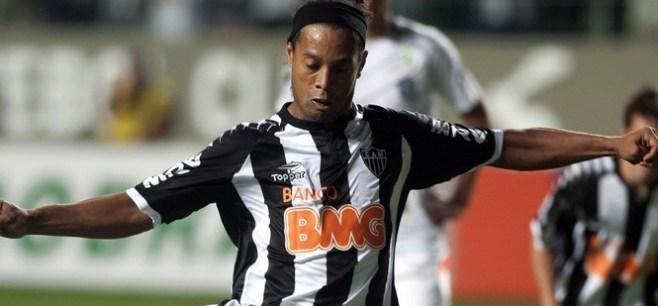 Ronaldinho heureux de voir une dream team au PSG
