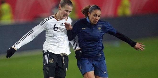 Canada2015 - France-Allemagne, un match important pour le football féminin