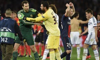 Mercato- le PSG s'intéresse à Cech, d'après son agent