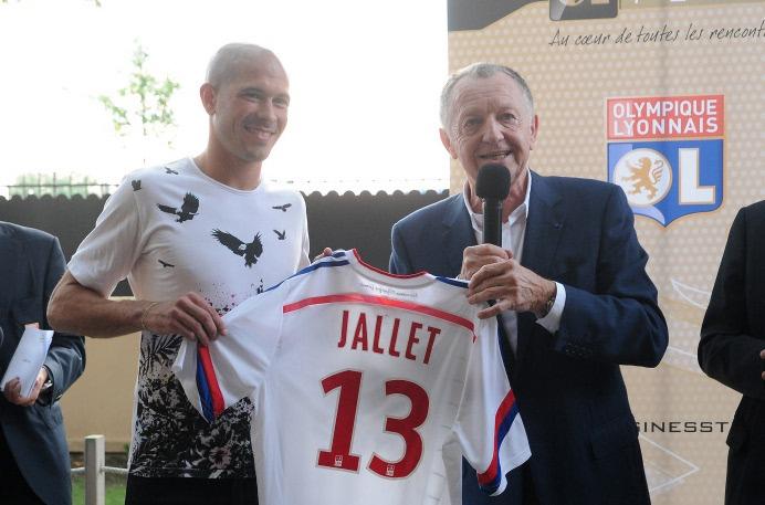 Anciens - Christophe Jallet préfère Nasser Al-Khelaïfi à Jean-Michel Aulas