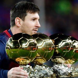 Le PSG essaiera de recruter Messi ou CR7 dans un an, d'après Séverac