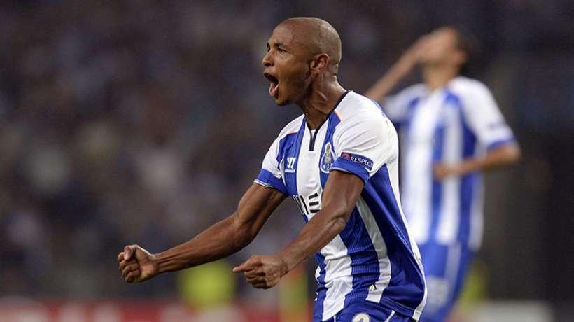 Mercato -Yacine Brahimi est une priorité du PSG, selon A Bola
