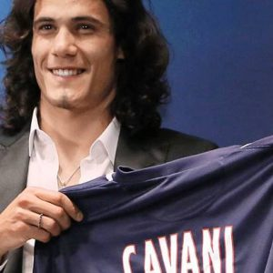 "Mercato - Cavani ""a l'intention de rester au PSG"""