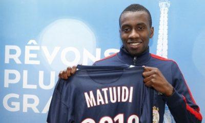 """Matuidi """"il a eu des échanges"""" avec des clubs, mais il est """"heureux au PSG"""""""