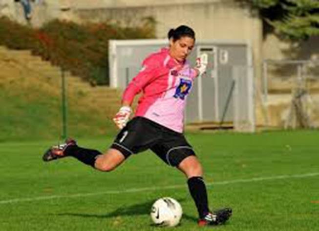 "Juvisy aussi bien ""loti"" que le PSG selon Karima Benameur"