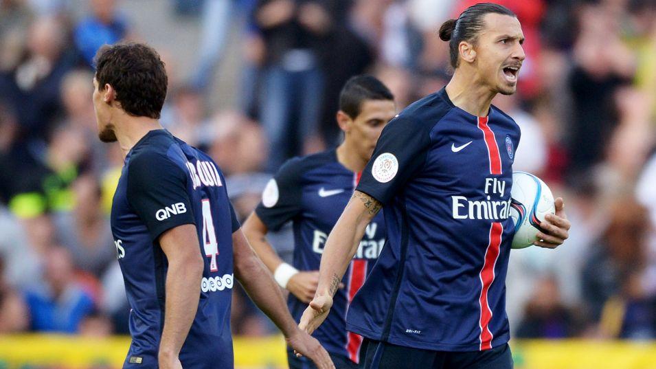 """Ibrahimovic """"l'équipe défend bien"""", """"aux autres"""" de juger s'il est le meilleur de l'histoire du PSG"""