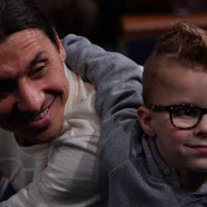 Zlatan Ibrahimovic fait une séance d'entraînement spéciale pour ses fils