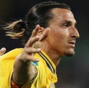 Pierre Mènes ironise sur les performances et les critiques sur Zlatan Ibrahimovic