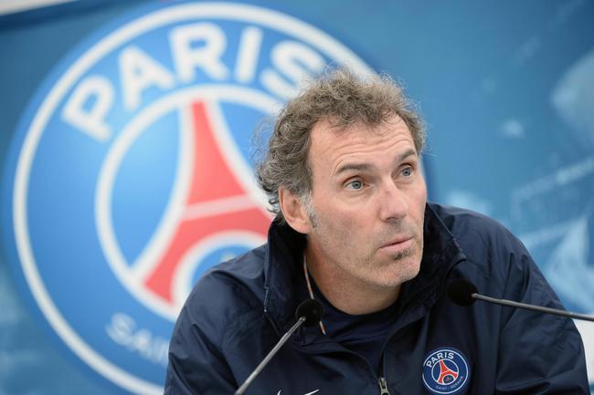 Laurent Blanc agacé par les journalistes qui traquent la première défaite du PSG en Ligue 1