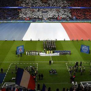 Messi, Neymar, Ronaldo et d'autres stars vont avoir le maillot du PSG, un remerciement du club