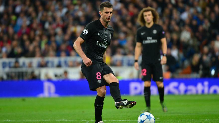 """Gérard Ejnès compare la défaite du PSG, """"pas une terreur continentale"""", à la victoire du Barça face au Real"""