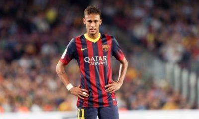 """Neymar Sr """"S'il ne peut pas travailler en Espagne, on devra partir ailleurs"""", le PSG à l'affût"""