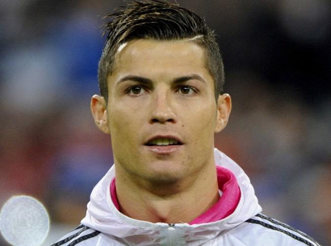 """La mère de Ronaldo ferme le débat sur l'avenir de son fils, qui """"veut terminer sa carrière au Real"""""""