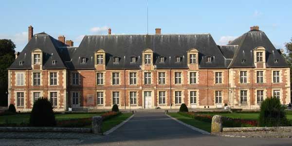 Un collectif contre l'implantation du PSG à Thiverval-Grignon (Yvelines)