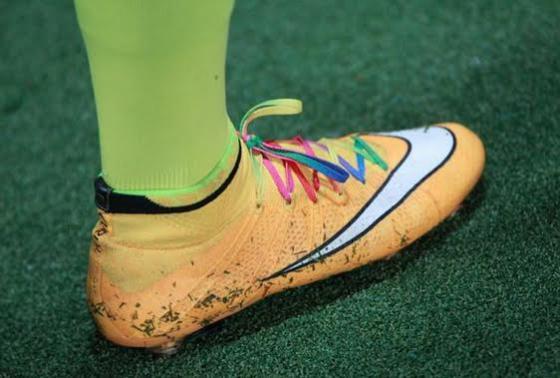"""Les crampons des joueurs de Ligue devraient se colorer dans le cadre de la 23e journée et de l'action """"Football People"""" contre la discrimination"""