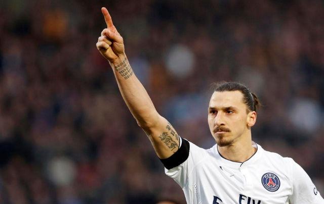 """Le PSG met en vente des t-shirts """"je suis arrivé comme un roi, je pars comme une légende"""""""