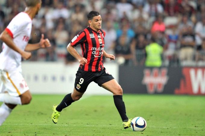 """Ben Arfa """"donne sa préférence au PSG et au Parc des Princes, le club et le stade qui le faisaient rêver enfant"""" d'après Le Parisien"""
