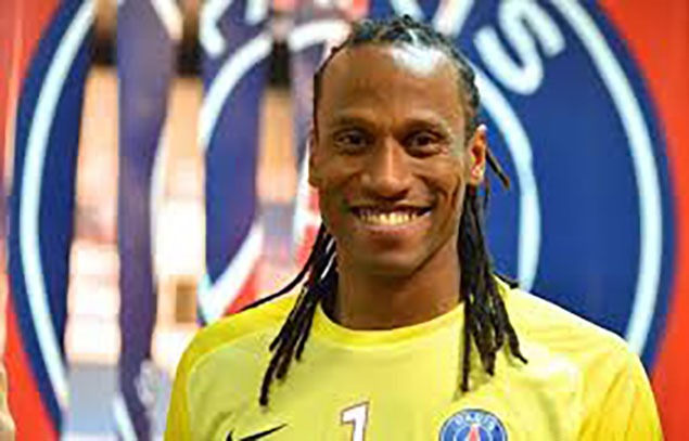 Patrice Annonay signe à Tremblay-en-France