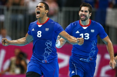 Hand- Deux handballeurs parisiens dans deux Tops