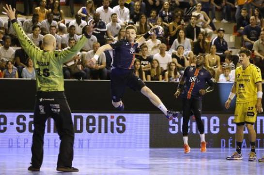 Hand- Paris creuse l'écart en signant une seizième victoire