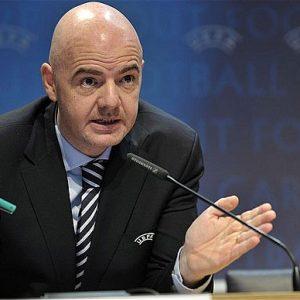 La FIFA annonce des tests pour l'arbitrage vidéo et la fin de la triple sanction