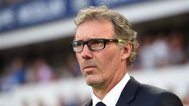 Laurent Blanc bloque momentanément l'arrivée d'Emery au PSG, Séville cherche son remplaçant