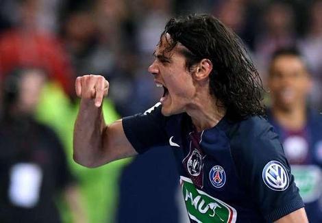 """Cavani """"le club s'améliore"""", """"la Champions League ne se gagne pas seulement avec de bons joueurs"""""""