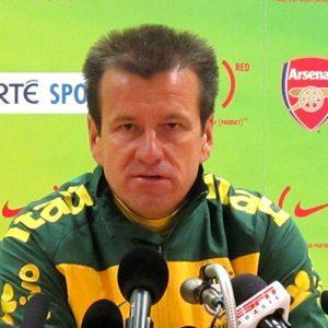 Dunga ne souhaite pas s'exprimer sur l'éventuelle présence de David Luiz au JO, qui n'est pas impossible