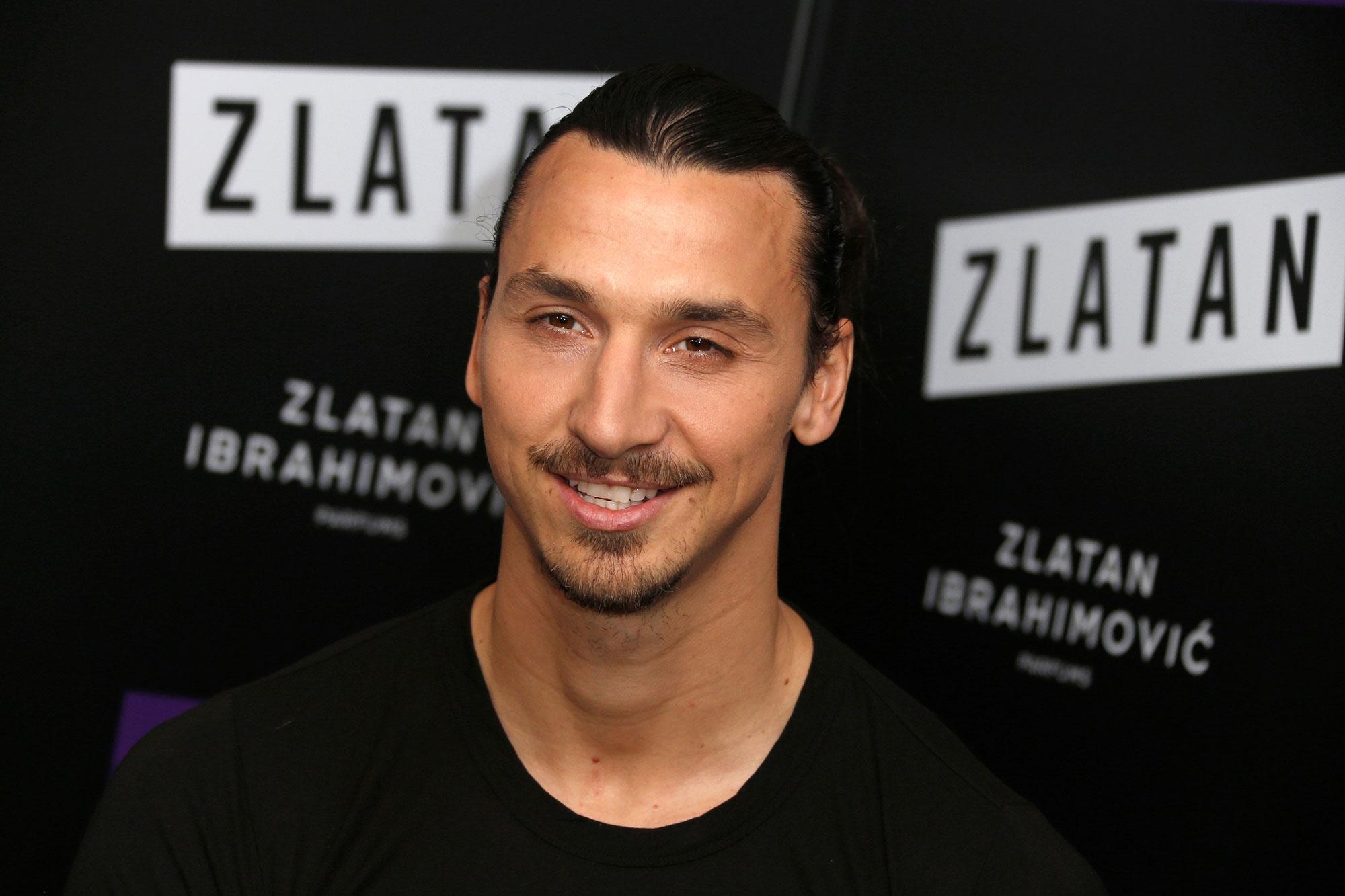 Zlatan Ibrahimovic reçoit la médaille de Paris