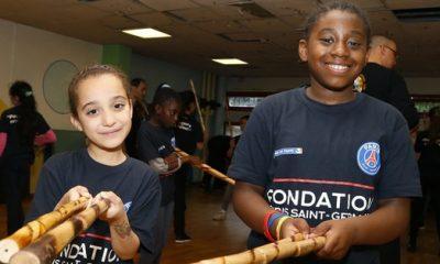 """Une journée """"arts martiaux"""" pour les jeunes filles de la fondation PSG"""