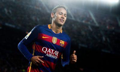 """Neymar """"j'ai eu des propositions de quelques clubs. Mais je n'ai jamais pensé à quitter Barcelone"""""""