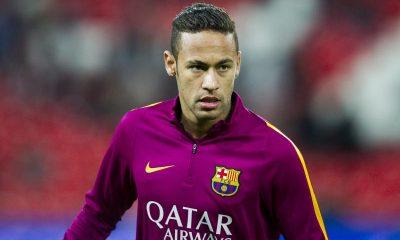 """Neymar """"était très proche du PSG"""" annonce son agent, mais """"il voulait rester à Barcelone"""""""