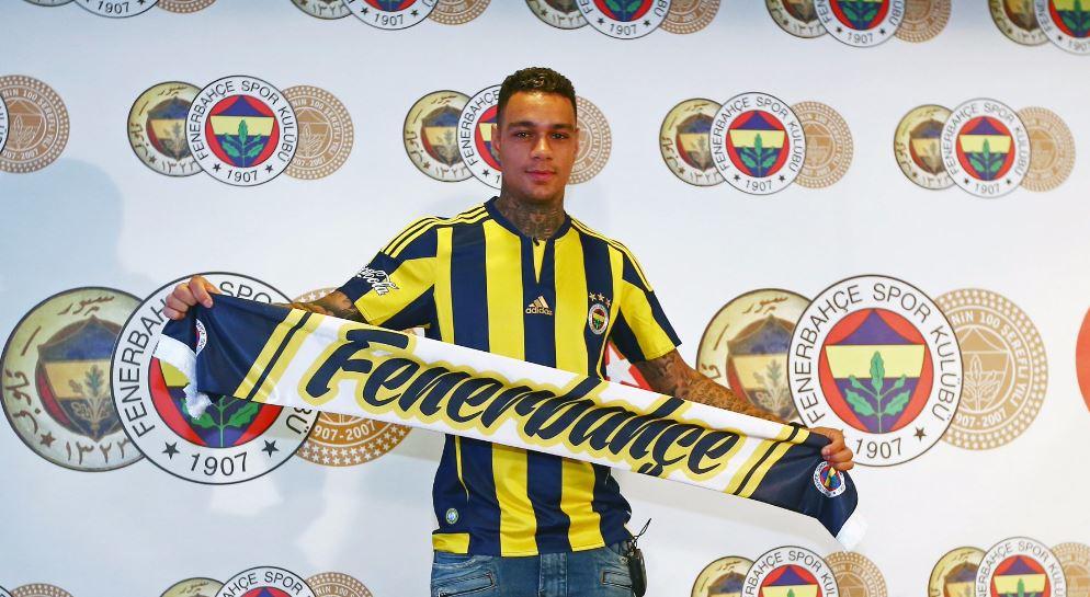 Anciens – Van der Wiel a réussi son son premier match avec Fenerbahçe, avec une passe décisive