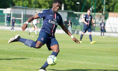 Batubinsika annonce qu'il a signé son premier contrat professionnel au PSG