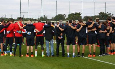 Le PSG a fait une minute de silence en hommage aux victimes à Nice