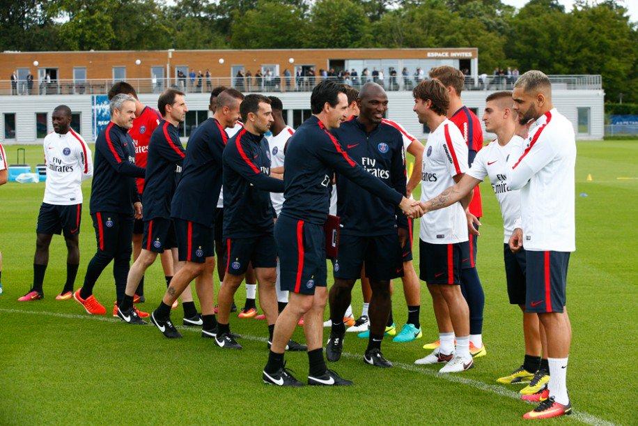 Les images postées par les joueurs du PSG ce lundi: joie de travailler et amitié