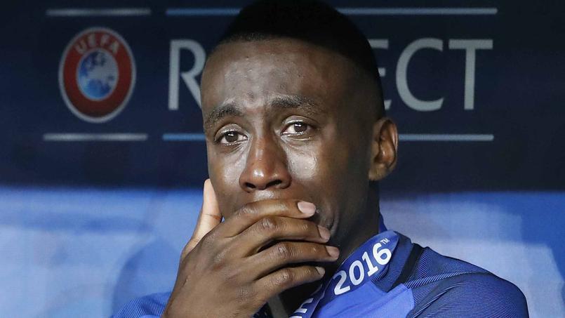 Blaise Matuidi en larmes après la défaite de l'équipe de france