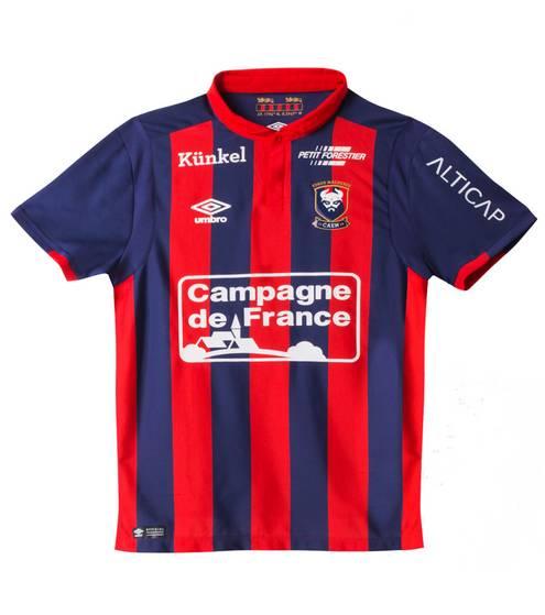 """D'après Cristina Cordula, le maillot du PSG est le """"plus tendance"""" de la Ligue 1"""