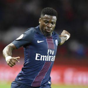 """France Football confirme l'approche du Barça pour Aurier et évoque """"d'autres grands clubs"""""""
