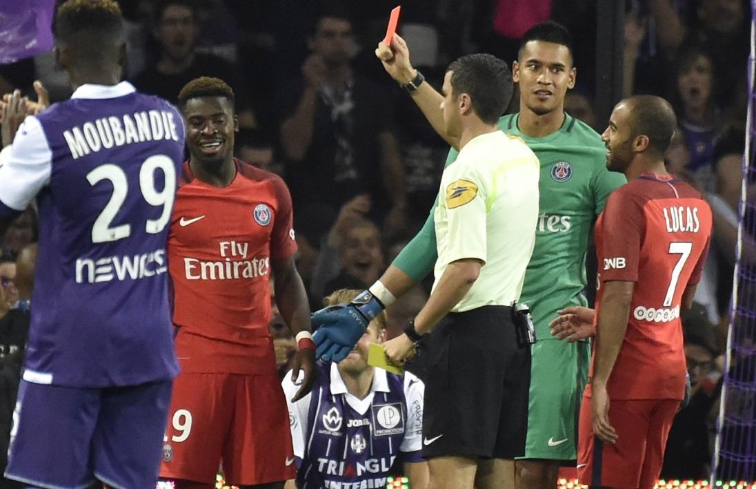 Carton rouge Serge Aurier Toulouse-PSG