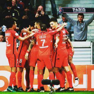Les images partagées par les joueurs du PSG ce samedi victoire et paella.jpg