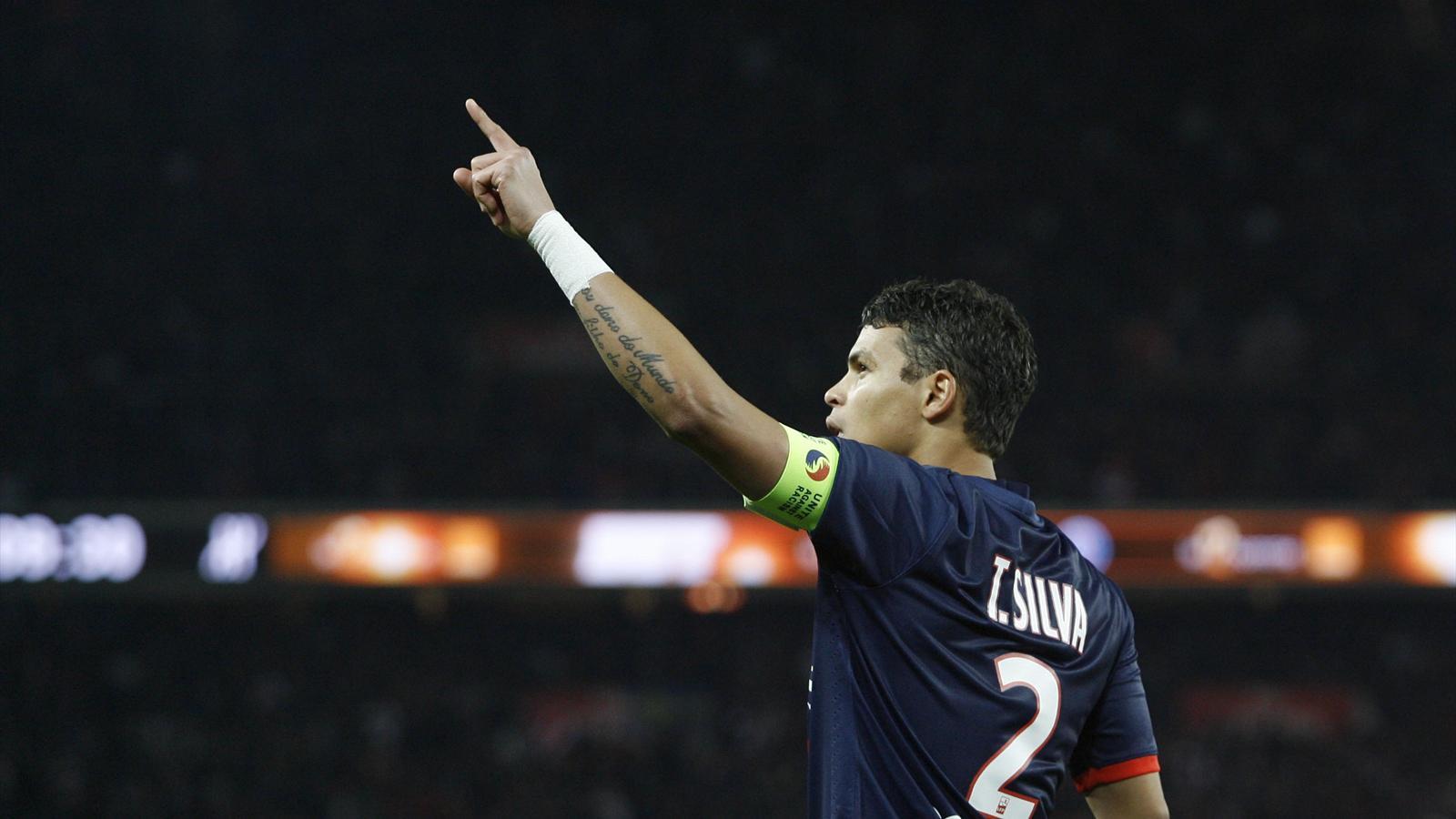 """Le PSG officialise la prolongation de Thiago Silva """"de très grands rêves à réaliser"""""""