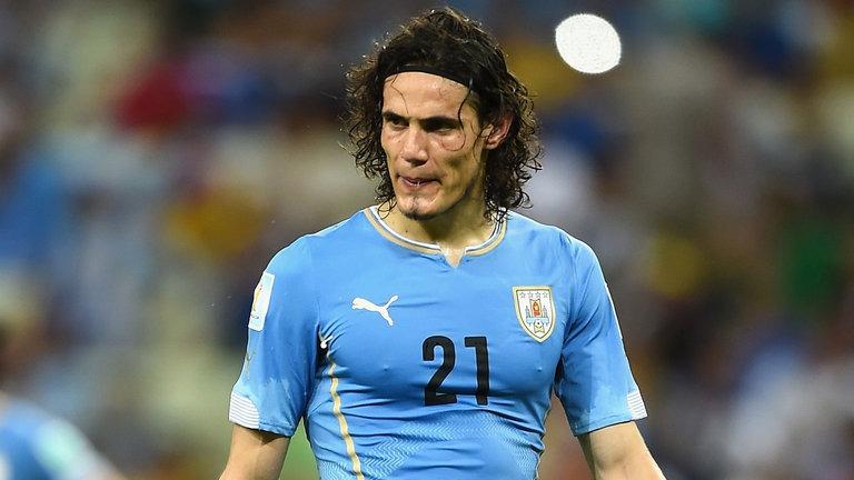 Cavani, en forme, marque un but lors de la défaite de l'Uruguay